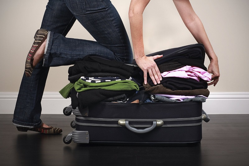 چمدان بستن از چالش های سال اول دانشگاه